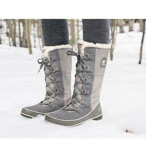 Sorel Tivoli High ll Gray Lace Up Snow Boots